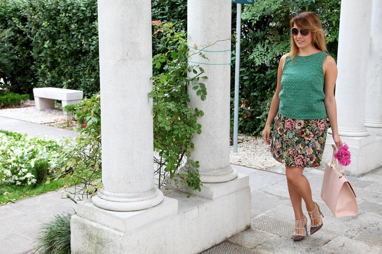 Verde, bagliori d'argento e unicorni a dare il buongiorno, alessia milanese, thechilicool, fashion blog, fashion blogger , valentino rockstud