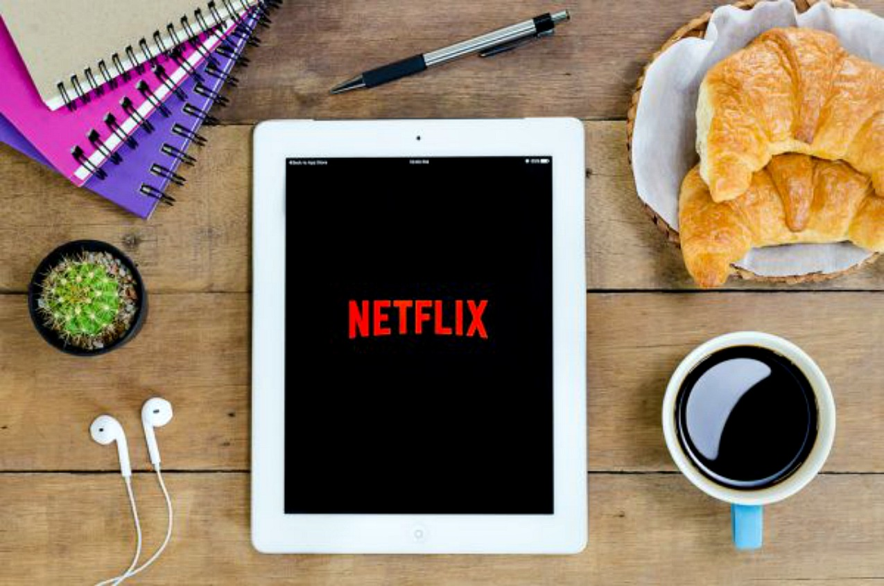 Netflix Italia: come funziona, quanto costa e cosa c'è da vedere, alessia milanese, thechilicool, fashion blog, fashion blogger