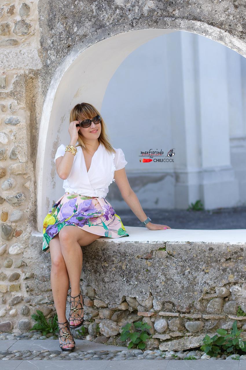 Fiori. Nel prato ai tuoi piedi o sul glicine delicato della mia gonna firmata Comenuovo, alessia milanese, thechilicool, fashion blog, fashion blogger