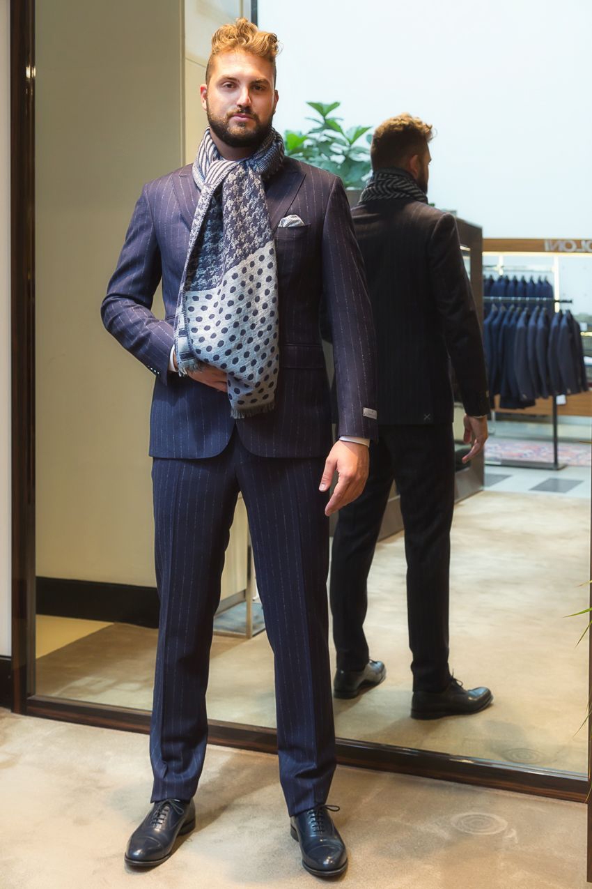 Moda uomo  dall outfit elegante al look casual  2f7330c7b36